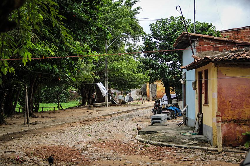 Os moradores que moram próximo ao Rio Cocó aguardam desapropriação. (FOTO: Fernanda Moura/Tribuna do Ceará)