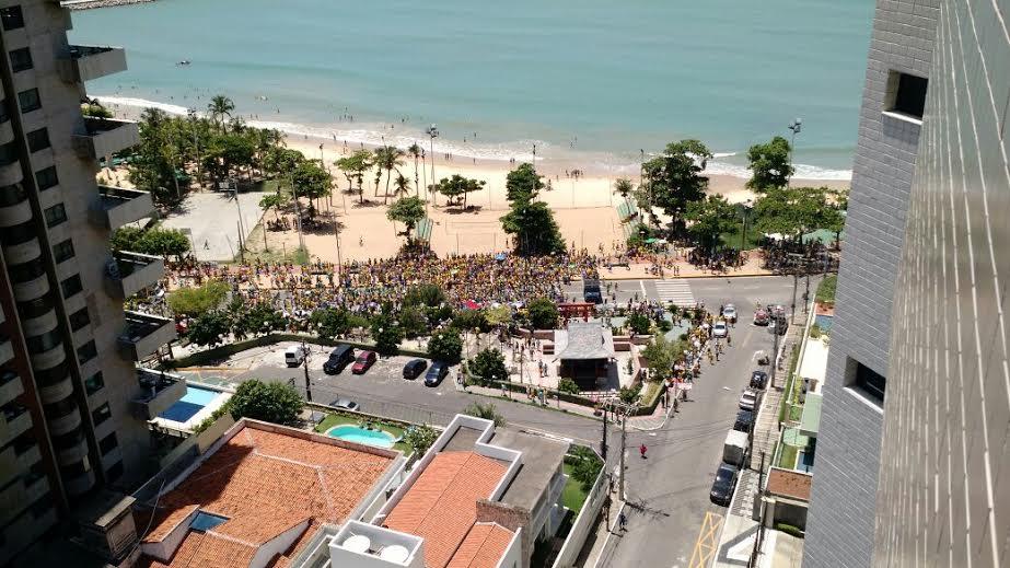 Uma grande manifestação está marcada para o período da tarde no aterro da Praia de Iracema. (FOTO: Samuel Paixão)