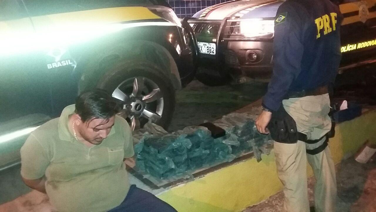 Suspeito afirma que a droga vinha de São Paulo. (FOTO: divulgação PRF)