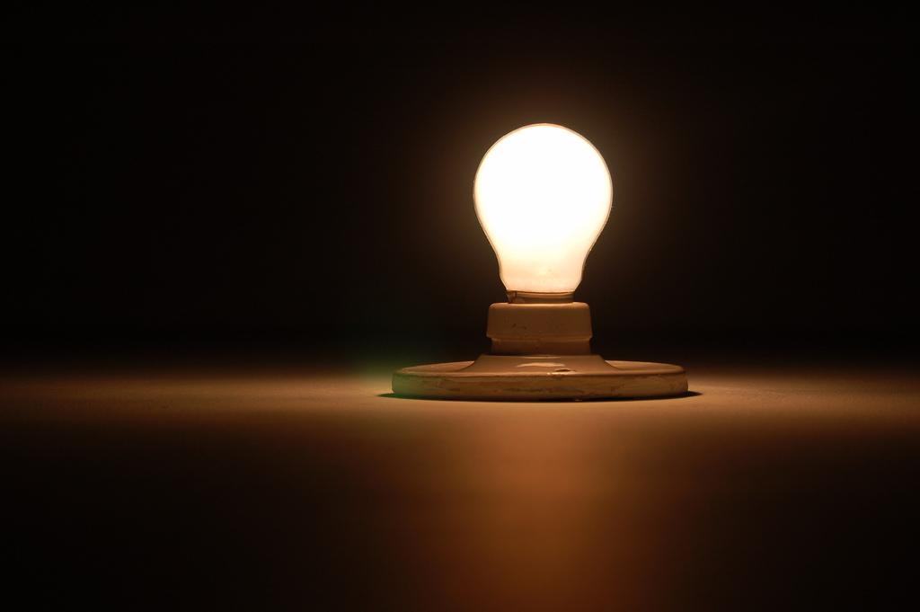 Procon considera aumento na conta de luz abusivo e notifica Coelce