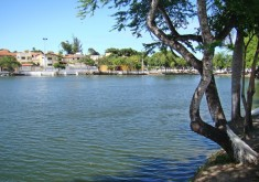 Lago Jacarey atrai visitantes (FOTO: Fortaleza em Fotos)