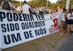 Moradores realizaram protestos e homenagens às vítimas da chacina (FOTO: Hayanne Narlla/ Tribuna do Ceará)