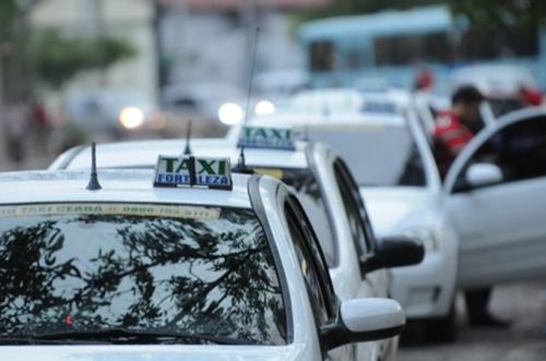 Taxistas se mobilizam para realizar ações contra Uber em Fortaleza