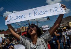 Estudantes do CAIC protestam desde a última quinta-feira (FOTO: Reprodução/Facebook)