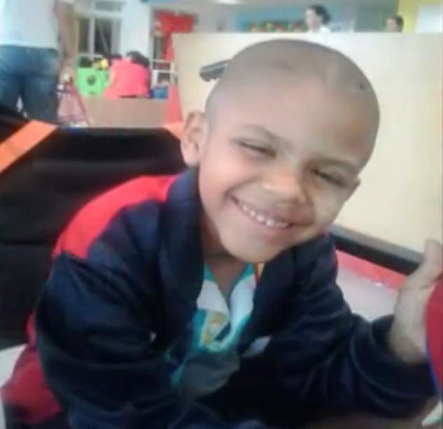Família de menino vítima de câncer nos ossos faz evento para comprar prótese