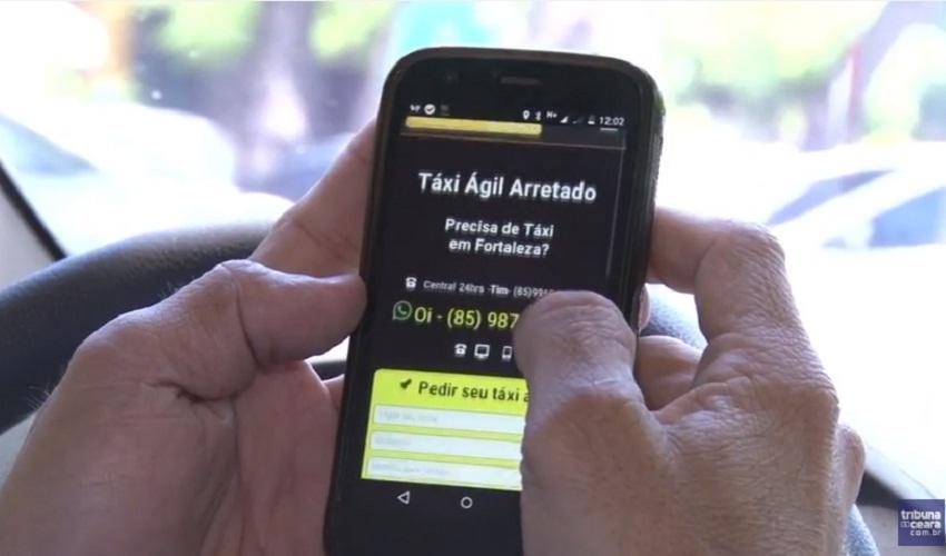 Taxistas investem na criatividade para vencer crise econômica