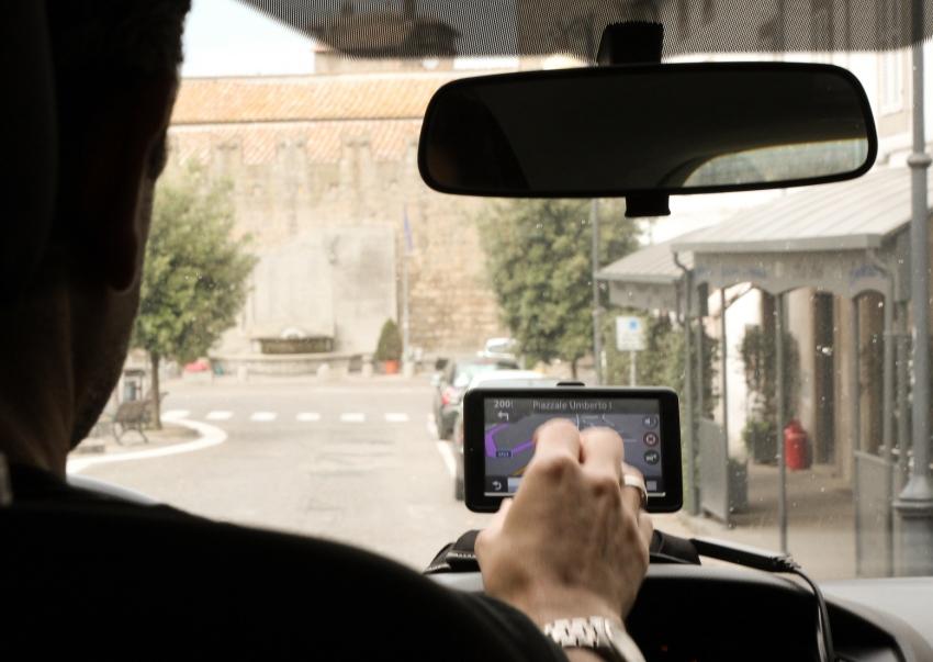GPS movido a luz solar é produzido por estudantes de Limoeiro do Norte