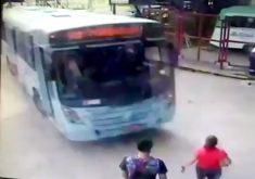 Acidente aconteceu dentro do Terminal da Parangaba (FOTO: Reprodução)