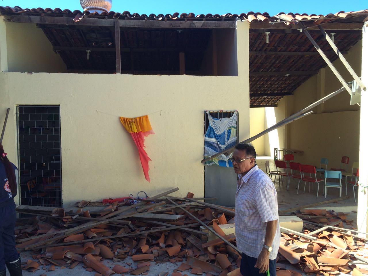 Duas crianças vítimas de desabamento de escola são encaminhadas para o IJF