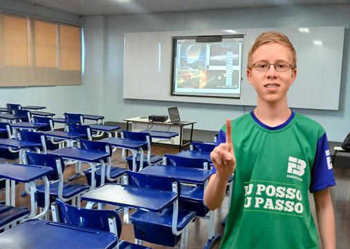 Garoto de 14 anos alcança o primeiro lugar geral no vestibular da Uece