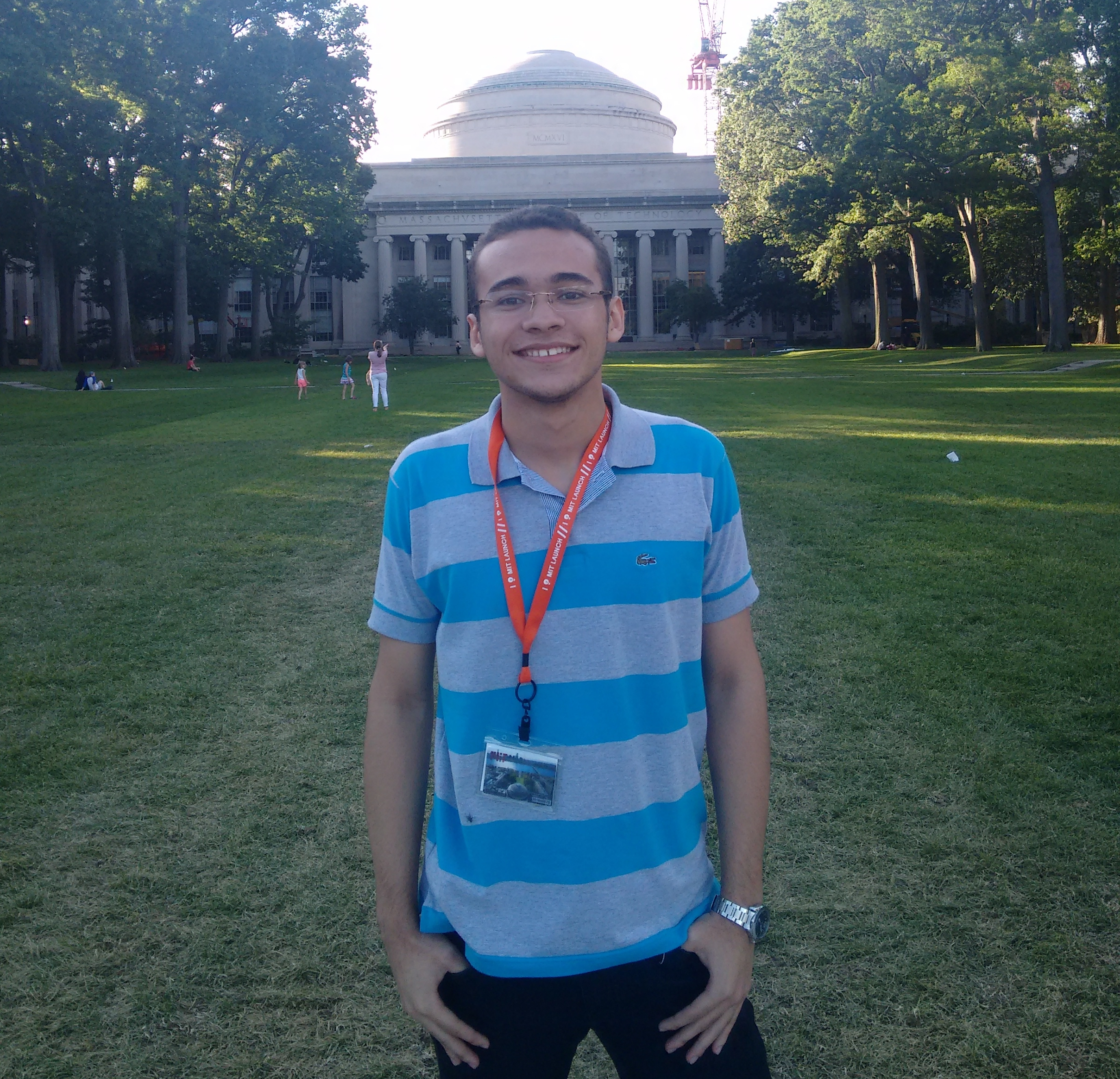 Cearense que acordava às 2h para estudar inglês realiza sonho de chegar ao MIT