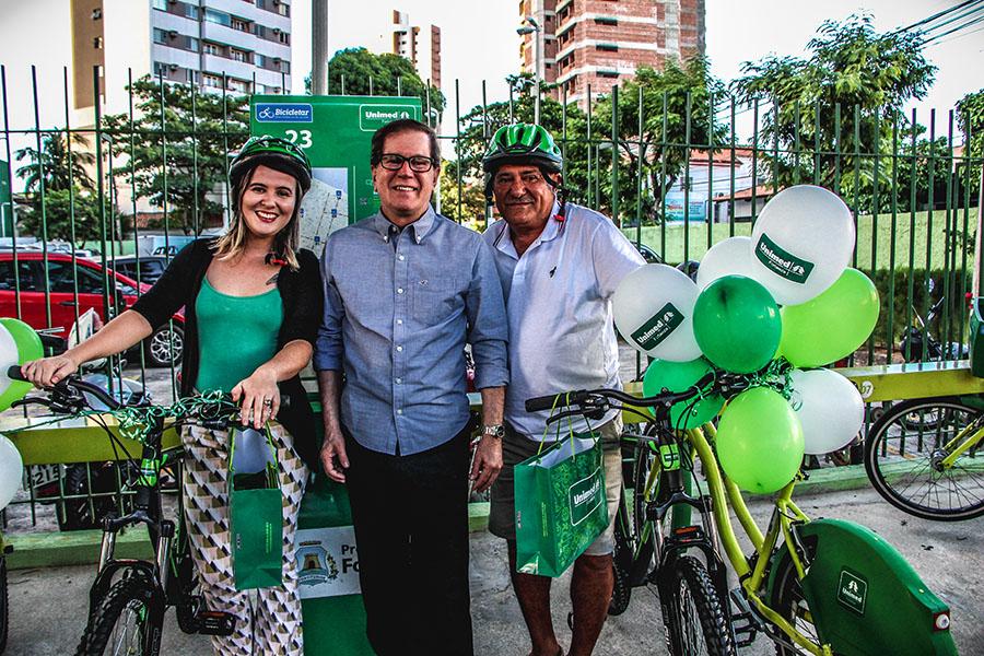Ciclistas premiados pelo uso frequente do Bicicletar recebem bikes