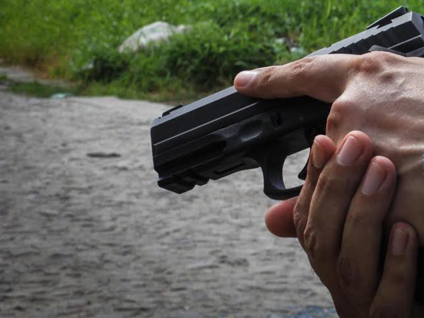 Criminosos invadem casa e matam 3 pessoas na Praia da Taíba