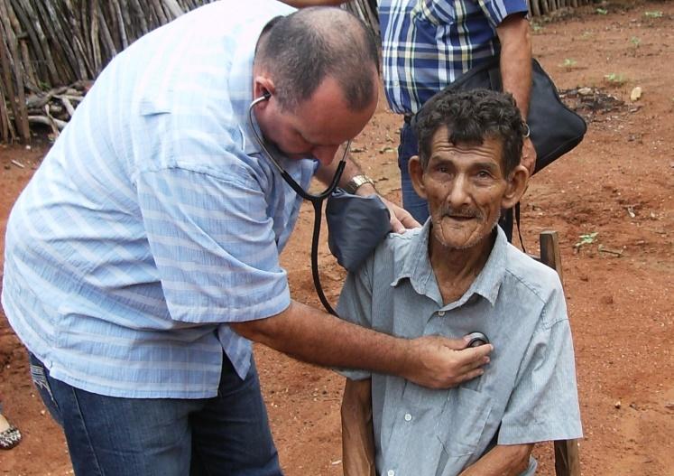 Após 3 anos no programa Mais Médicos, cubano destaca mudanças no sertão do Ceará