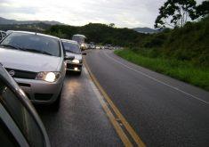 Carros-com-Farol-Baixo