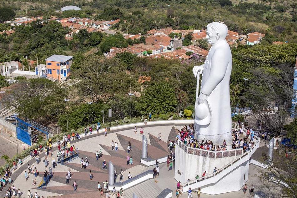 Disputa política em Crato, Juazeiro e Barbalha opõe grupo de Cid e Camilo ao de Eunício e Tasso