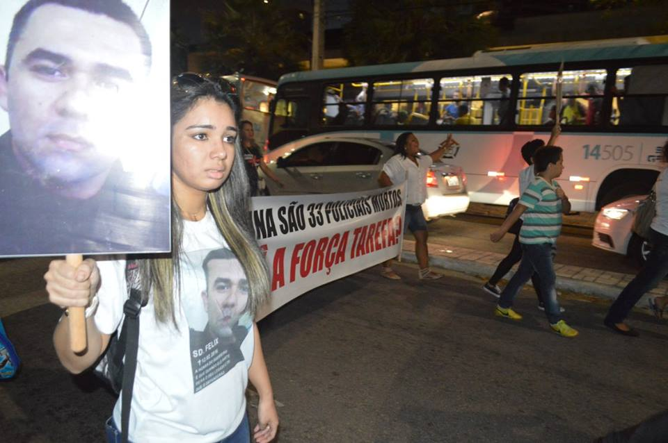 PROTESTO CONTRA VIOLÊNCIA