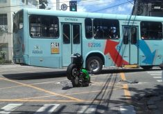 Acidente chamou atenção pela forma como ficou a moto (FOTO: Reprodução/Whatsapp)