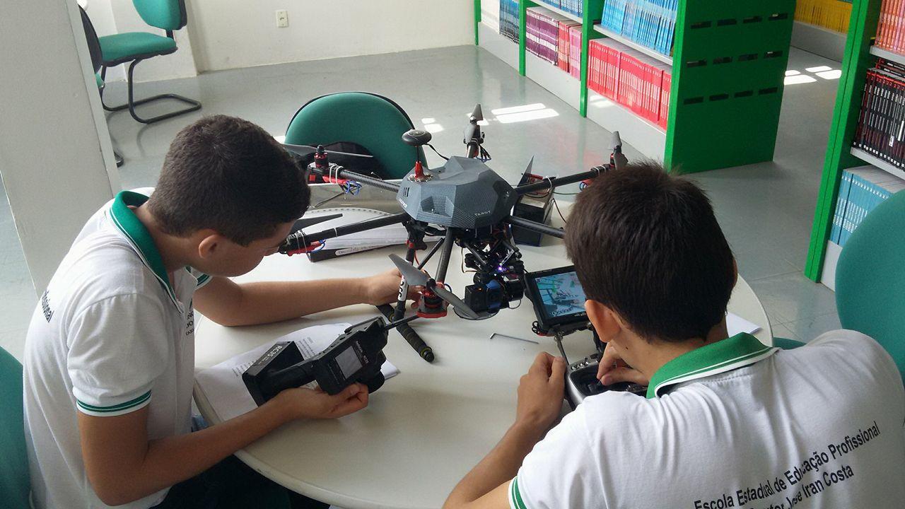 Alunos de escola do Ceará criam projeto que usa drones no combate ao Aedes aegypti