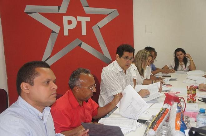 PT repudia propaganda de Capitão Wagner que atrela adversário a escândalos do partido