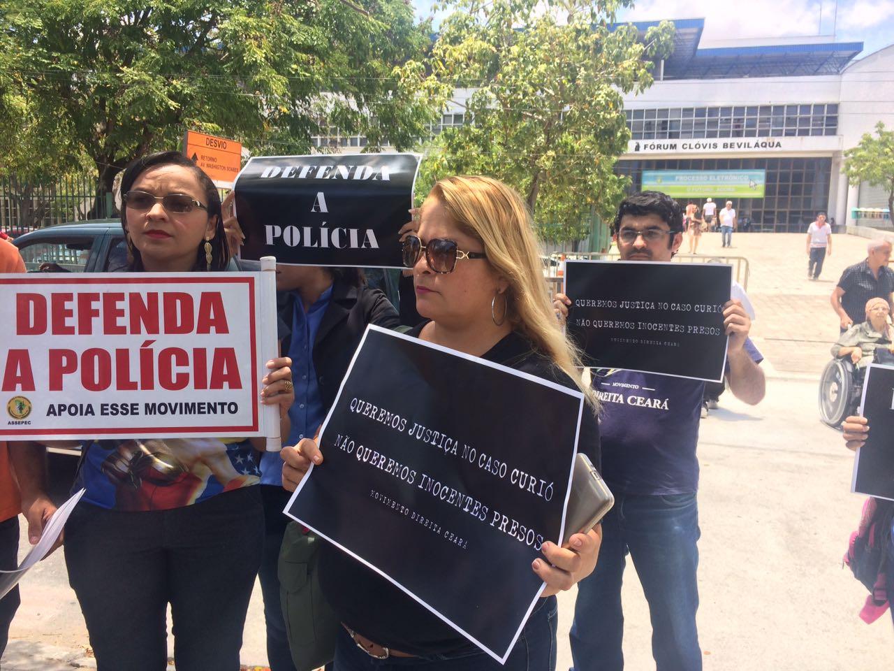 Familiares de policiais afirmam que alguns dos PMs presos não possuem envolvimento no crime