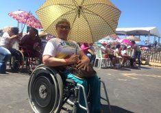A cadeirante Maria Yuny veio pela primeira vez ao evento. (FOTO: Tribuna do Ceará/ Rosana Romão)