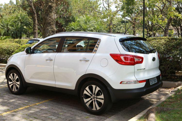 Carro branco é a nova tendência de vendas do setor no Ceará