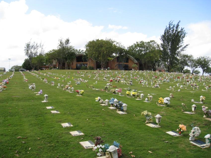 Histórias de Finados: Mulher morre de tristeza no mesmo dia da morte de irmã