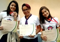 Alunos receberam certificado. (FOTO: divulgação/ Hemoce)