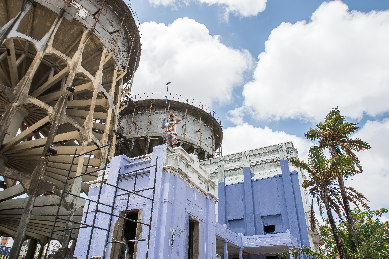 Caixa d'água do Centro recebe intervenção do Festival Concreto