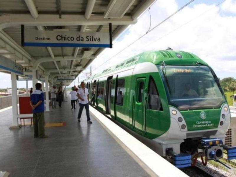 Usuários do Metrofor reclamam de atrasos e de outras falhas do serviço