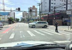 Cruzamento da Avenida Antônio Sales com Rua Leonardo Mota. (FOTO: Alan Lima/ TV Jangadeiro)