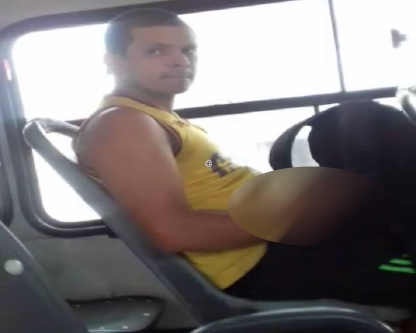 Mulher grava vídeo de homem se masturbando em ônibus de Fortaleza