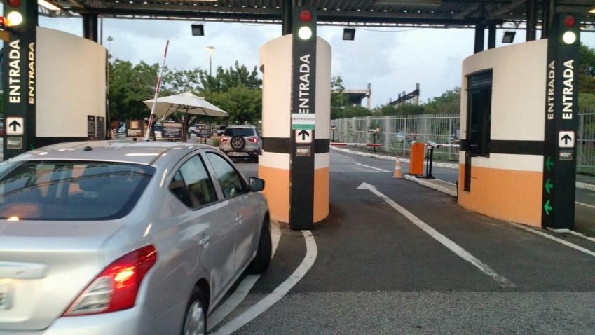 Infrações de trânsito aumentam no aeroporto de Fortaleza com a alta estação