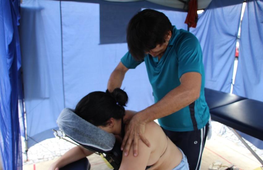 Carlos virou referência de massoterapia no local
