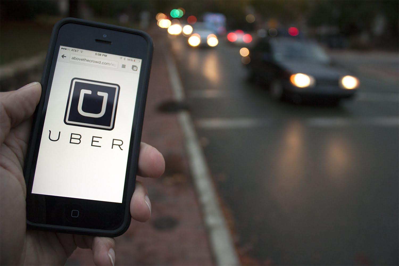 """Uber nega que motoristas desliguem equipamento para alterar """"preço dinâmico"""""""