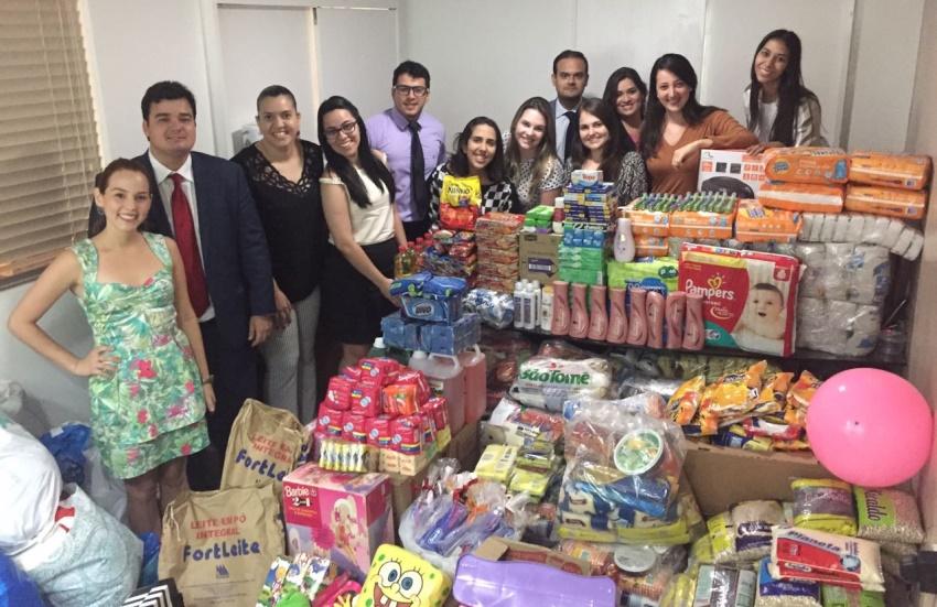 Escritório de advocacia reúne 1,5 tonelada de alimentos em gincana beneficente