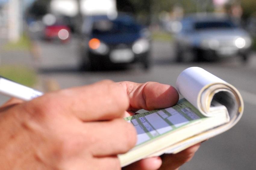 Motoristas do Ceará já podem pagar multas de trânsito com 40% de desconto