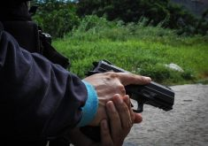 Policial militar teve carro abordado na madrugada. (Foto: Fernanda Moura/Tribuna do Ceará)