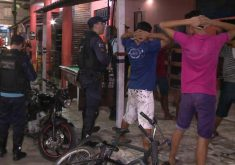 Foram realizadas abordagens policiais durante a operação (FOTO: Reprodução/TV Jangadeiro)