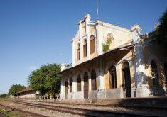 O declínio das ferrovias no Ceará aconteceu por volta dos anos 1980 (FOTO: Marcos Issa/Argosfoto/Reprodução)