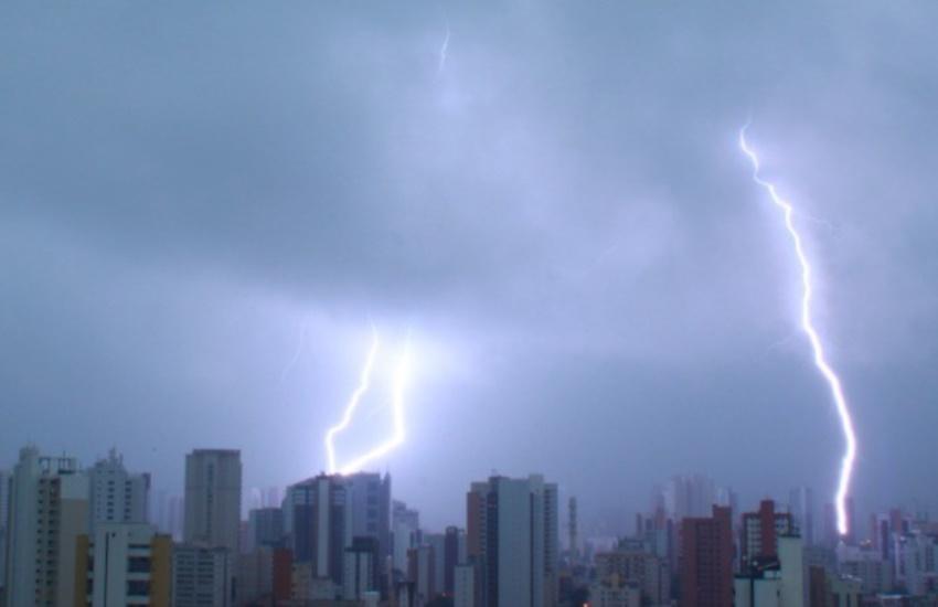 Ceará tem chuvas que ultrapassam os 120mm em dia de alerta climático nacional