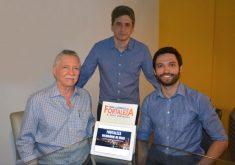 Pai, filho e um amigo criaram o site em 2014 (FOTO: Divulgação)