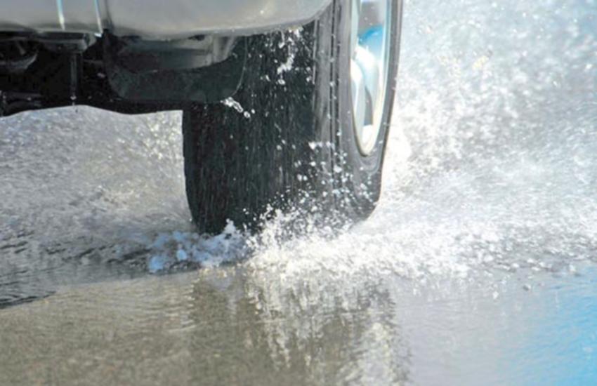 Para evitar que pneus rasguem em buracos, mantenha a calibragem no peso máximo