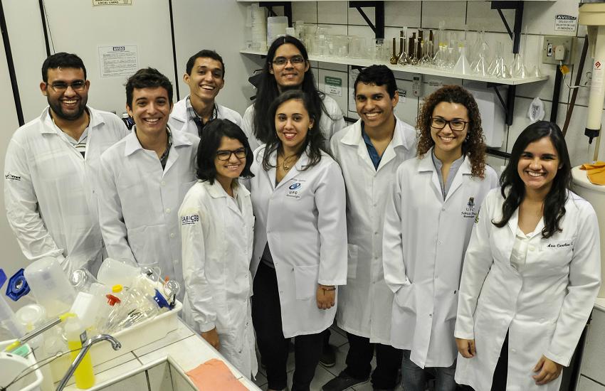 Cearenses desenvolvem alga para combater proliferação do mosquito da dengue