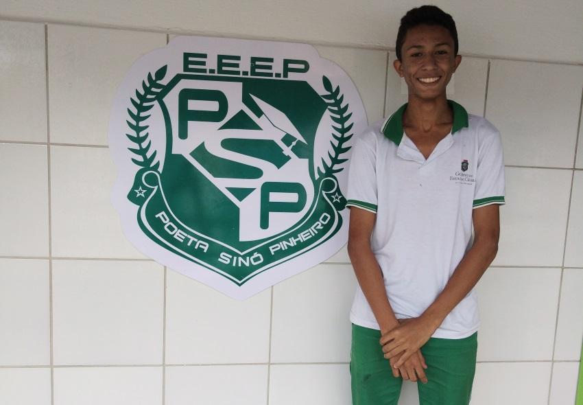 Cearense ganha medalha de ouro na Olimpíada Brasileira das escolas públicas