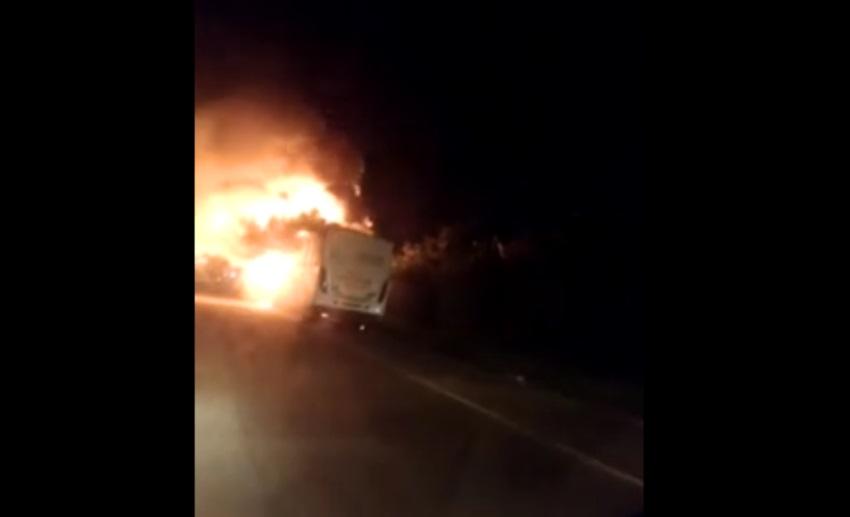 Fortaleza tem 2º ônibus incendiado em menos de 24 horas