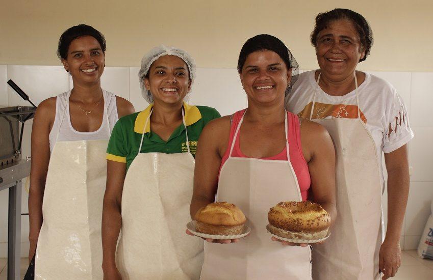 Grupo de mulheres de Juazeiro faz bolos e doces com alimentos que iriam para o lixo