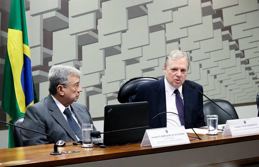 Novo presidente da CAE, Tasso vai tratar do 'custo Brasil' e das tributações