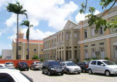 O colégio Juvenal de Carvalho não irá funcionar nesta sexta-feira (28) (FOTO: Reprodução)